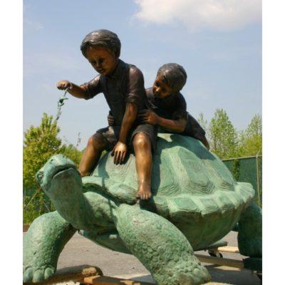 Umelecké Sochy Dvaja chlapci a korytnačka