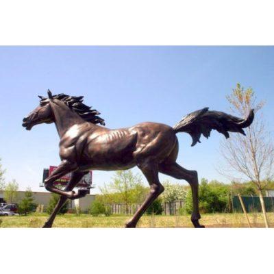 Umelecké Sochy Cválajúci divoký kôň