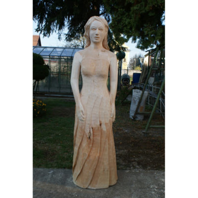 Biela pani - socha z dreva