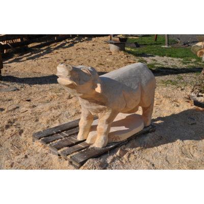 Drevená kravička - socha z dreva
