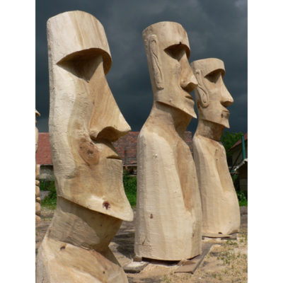 Drevené moai - socha z dreva