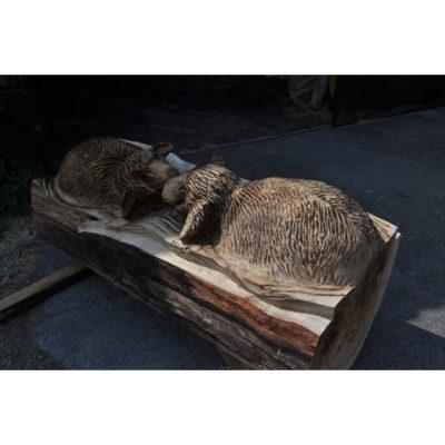 Drevené ovce v tráve - socha z dreva