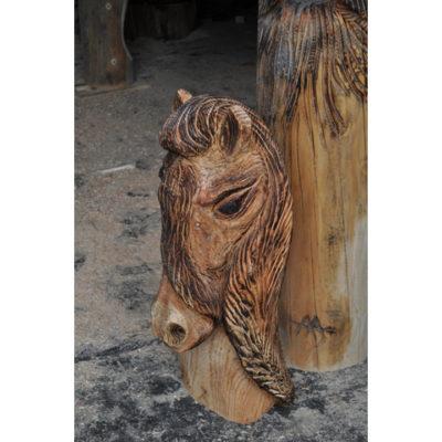 Umelecké Sochy Drevená hlava kobyly