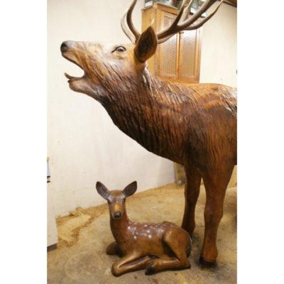 Jelenia rodina - socha z dreva