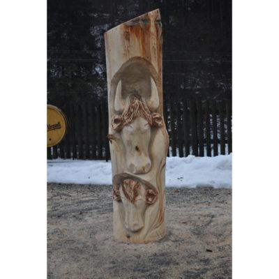 S teliatkom II - socha z dreva