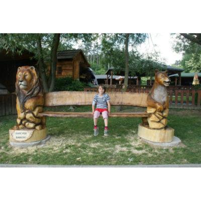 Umelecké Sochy Drevená levia lavička II