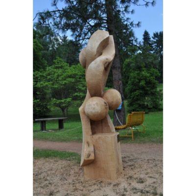 Proti prúdu - socha z dreva