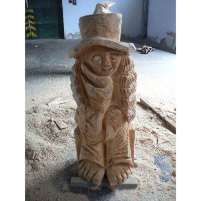 Umelecké Sochy Sediaca pani - drevená socha