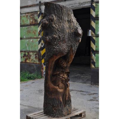 Škriatok stromofúz - socha z dreva