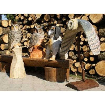 Umelecké Sochy Drevené sovy a pes