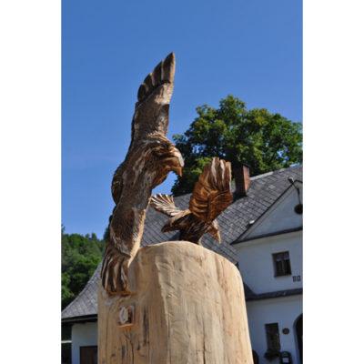 Strom vtákov - socha z dreva