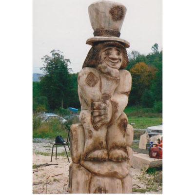 Vodník s vysokým klobúkom - socha z dreva