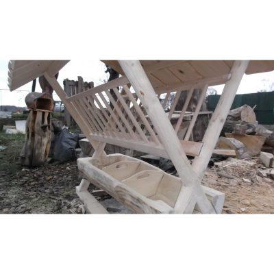 Krmelec pre muflóny - Socha z dreva