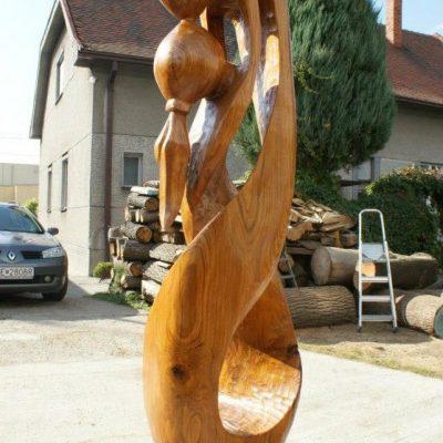 Socha milencov - drevená skulptúra - socha z dreva